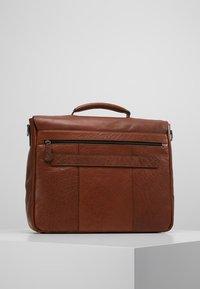 Strellson - SUTTON BRIEFBAG - Laptop bag - cognac - 2