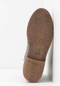 Tamaris - Kotníkové boty - taupe - 6