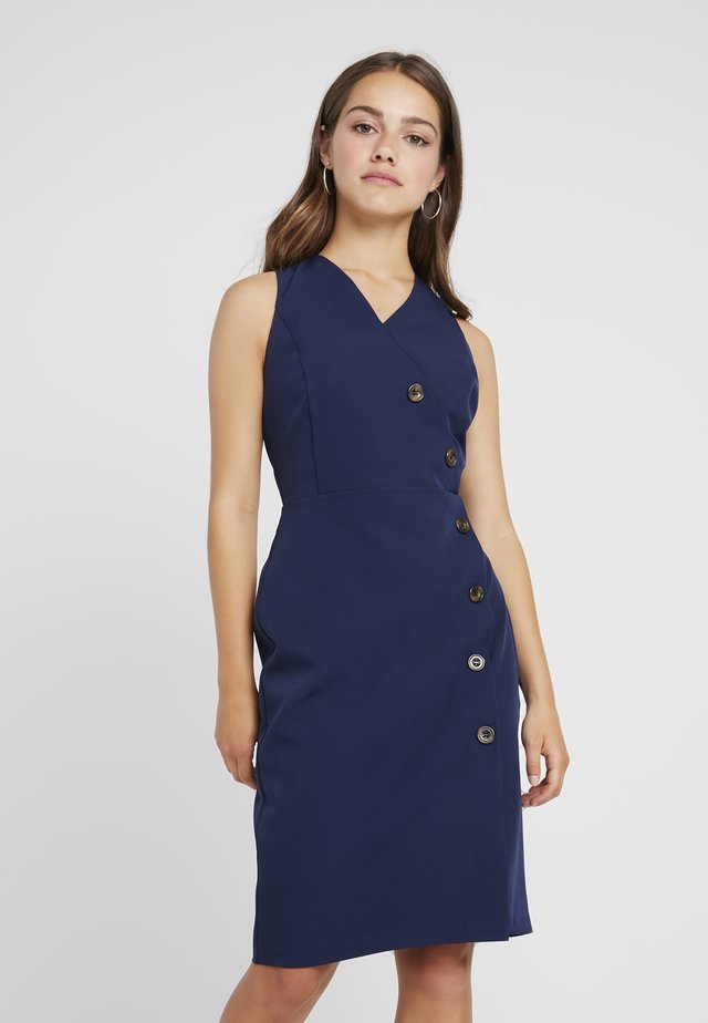 BUTTON FRONT TAILORED DRESS - Pouzdrové šaty - navy