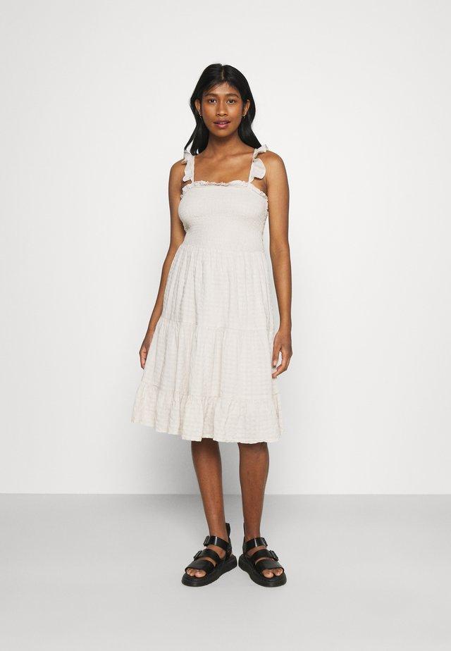 ONLPELLEA LIFE STRAP DRESS - Sukienka letnia - pumice stone