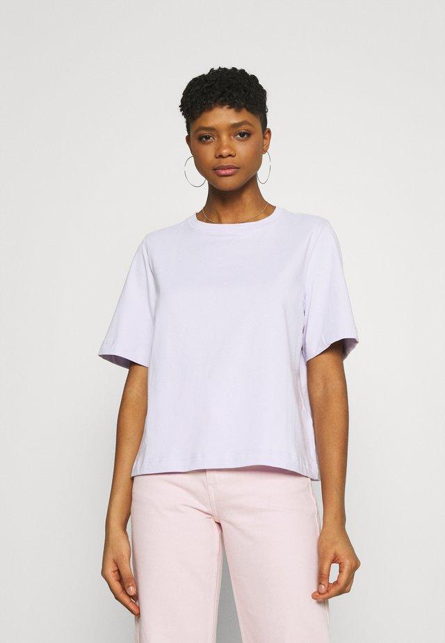TRISH - T-shirt basic - lilac