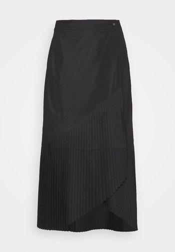 BLAZE SKIRT - Plisovaná sukně - black