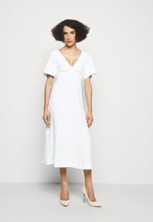 SHORT SLEEVE V NECK MIDI - Day dress - white