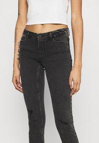 Noisy May - NMEVE BREAK - Jeans Skinny Fit - grey denim - 3