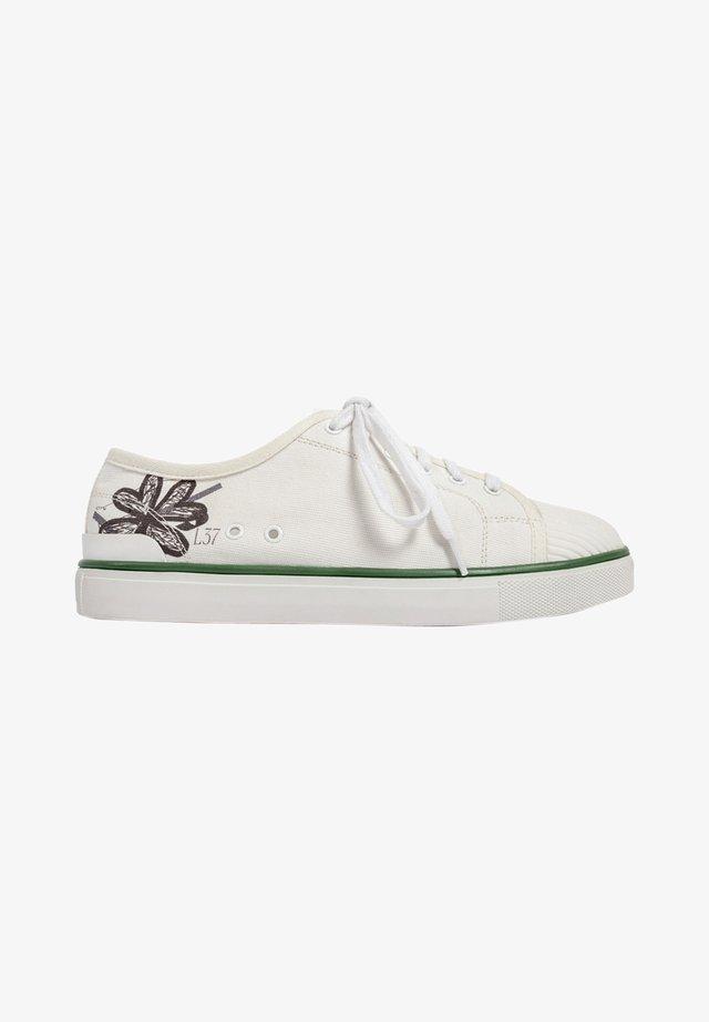 SOTO SHORT - Sneakersy niskie - white