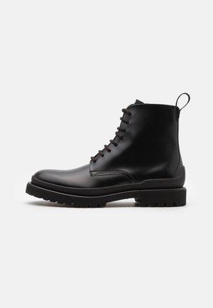 ADVENTURER - Snørestøvletter - black