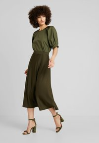 mint&berry - ROUND NECK BLOUSE WITH BALOON SLEEVE - Bluser - olive night - 1