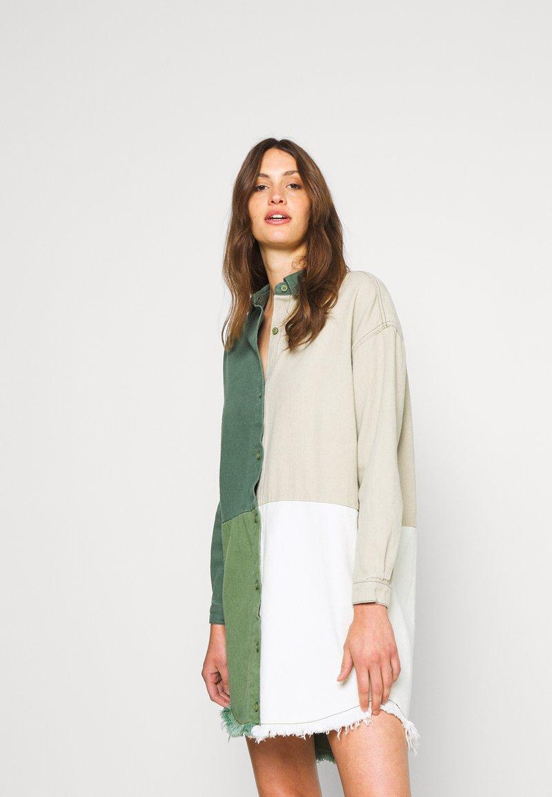 Missguided Tall - COLOURBLOCK OVERSIZED DRESS - Denní šaty - green
