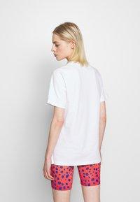 House of Holland - HOUSE TSHIRT - Print T-shirt - white - 2