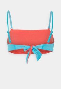 Sloggi - SHORE KOSRAE BANDEAU - Haut de bikini - orange - 1