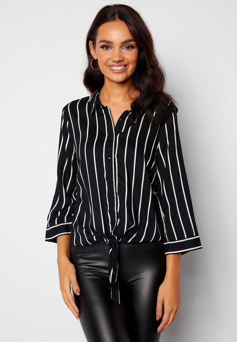 Bubbleroom - JULIETTE SS KNOT - Button-down blouse - black