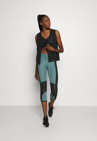 Under Armour - RUN ANYWHERE CROP - Medias - lichen blue - 3