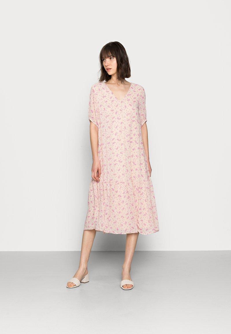 Selected Femme - SLFSINA MIDI DRESS - Day dress - sandshell