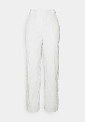 LOOSE FIT SUIT PANTS - Bukser - white