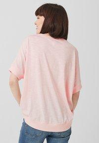 Q/S designed by - Basic T-shirt - light pink - 2