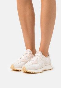 New Balance - Sneakers laag - beige/rose - 0