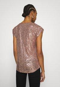 Dorothy Perkins - SEQUIN TEE - Print T-shirt - rose gold - 2