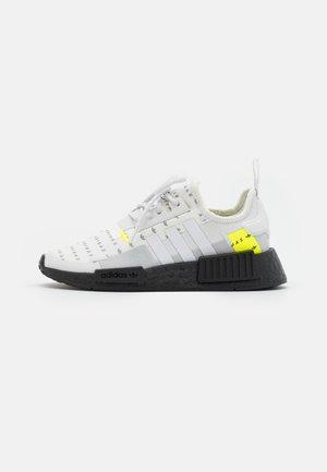 NMD_R1 UNISEX - Matalavartiset tennarit - footwear white/crystal white/solar yellow