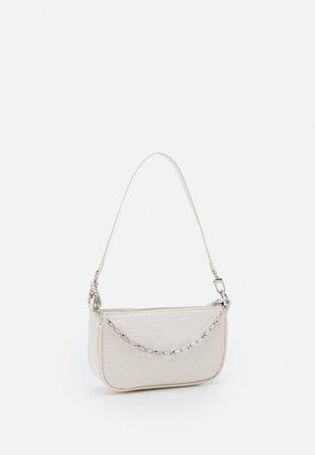 PCCHRIZZY SHOULDER BAG - Handbag - warm sand/silver-coloured
