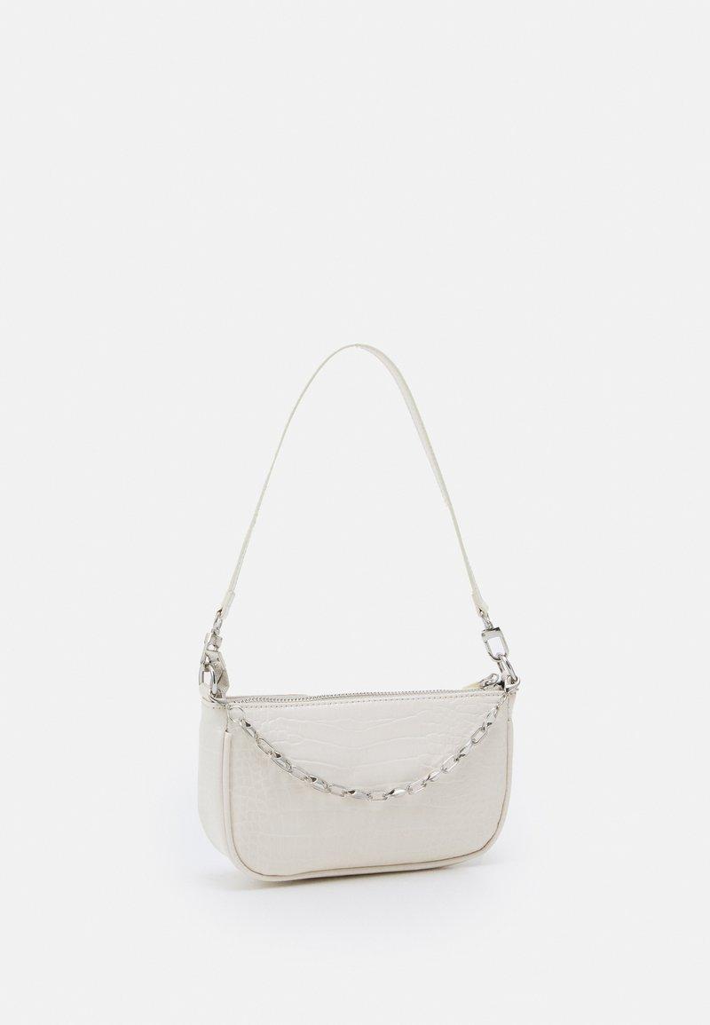 Pieces - PCCHRIZZY SHOULDER BAG - Handbag - warm sand/silver-coloured