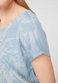 s.Oliver - Print T-shirt - light blue aop - 5