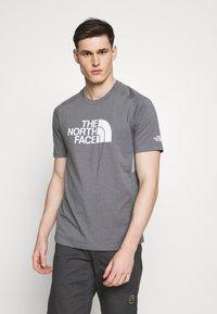 The North Face - MENS WICKER GRAPHIC CREW - Print T-shirt - medium grey heather/white - 0