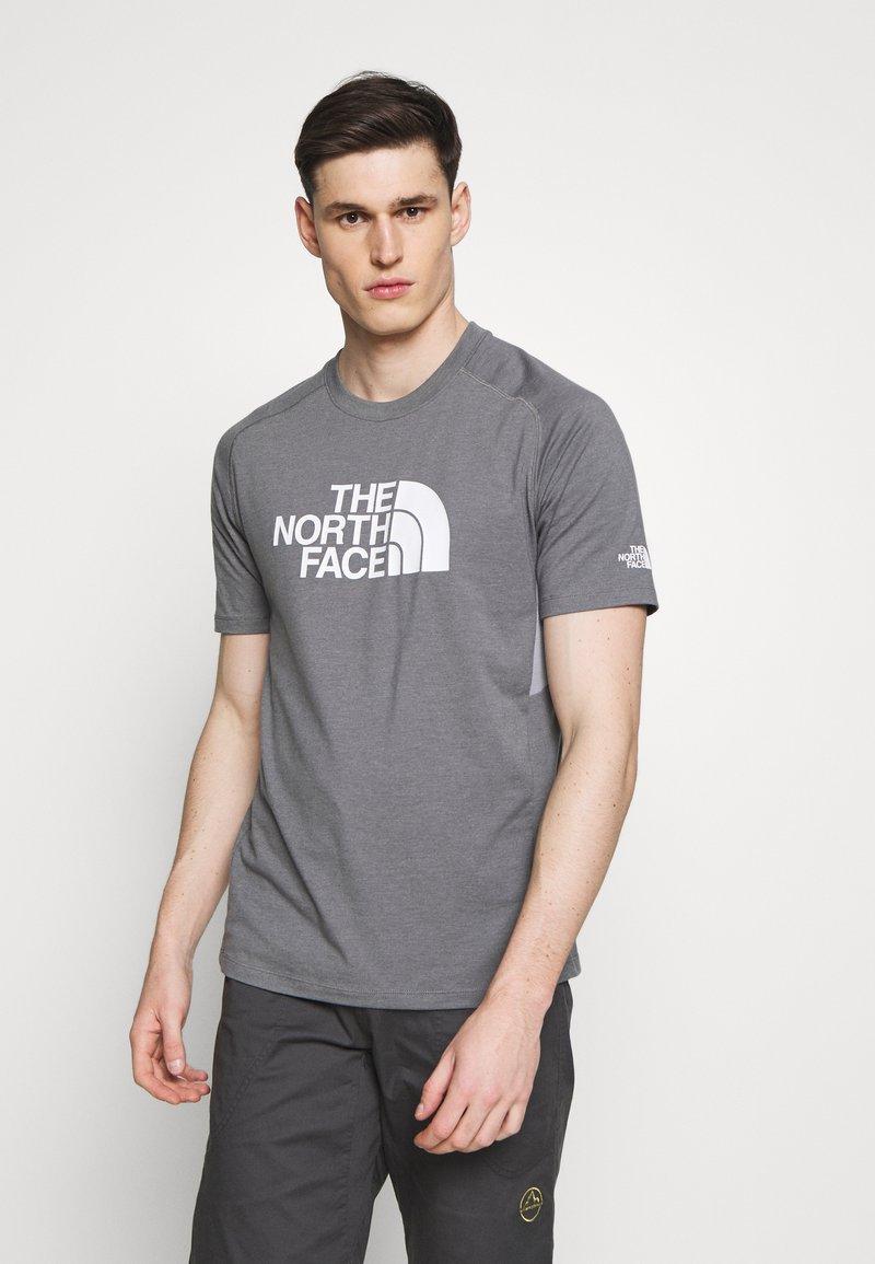 The North Face - MENS WICKER GRAPHIC CREW - Print T-shirt - medium grey heather/white