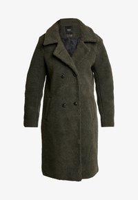 Object - Zimní kabát - forest night - 3