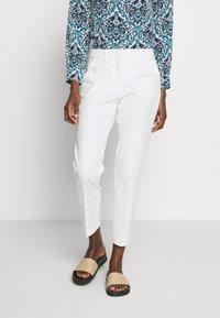 WEEKEND MaxMara - LEGENDA - Kalhoty - white - 0