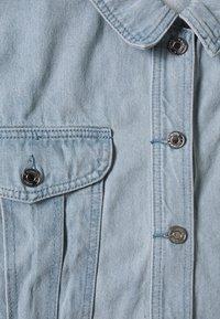 Missguided - CROPPED RAW HEM JACKET - Denim jacket - light blue - 2