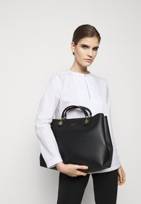 Emporio Armani - MY EAHANDBAG SET - Handbag - nero/silver-coloured - 1
