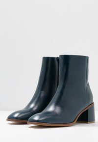 E8 BY MIISTA - STINA - Classic ankle boots - blue - 4
