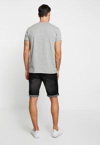 INDICODE JEANS - KADEN HOLES - Denim shorts - black - 2