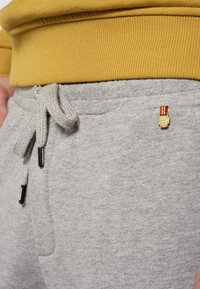 MDB IMPECCABLE - Tracksuit bottoms - grey - 3
