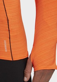 adidas Performance - RUNNER LONG-SLEEVE TOP - Long sleeved top - orange - 5