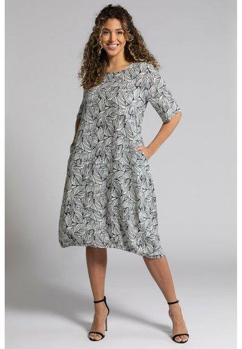 Day dress - marine