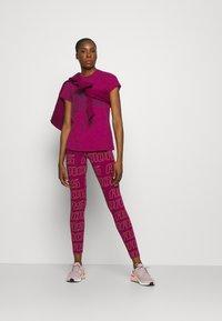 adidas Performance - WINNERS TEE - Print T-shirt - berry - 1