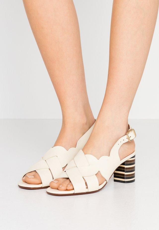 LUMBA - Sandaalit nilkkaremmillä - jansen leche
