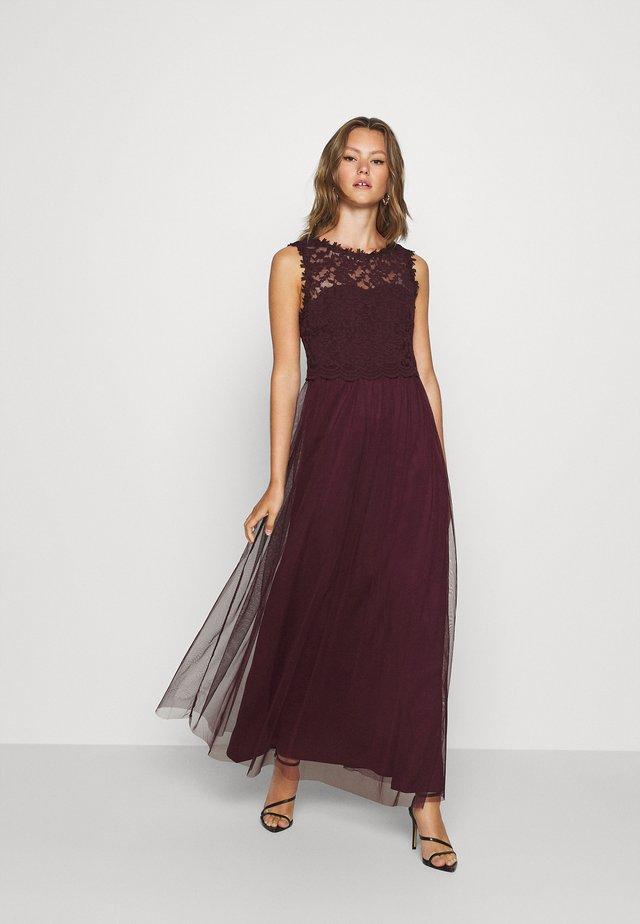 VILYNNEA DRESS - Suknia balowa - winetasting
