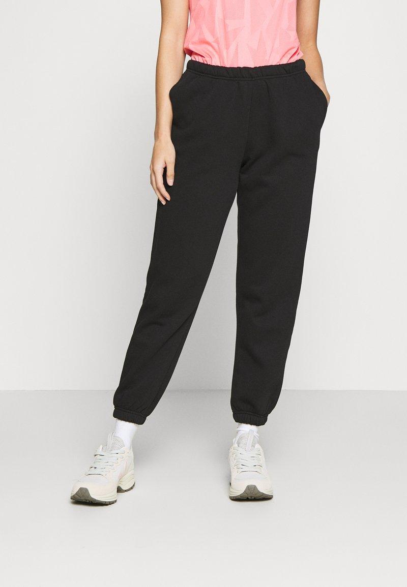 Gina Tricot Petite - BASIC - Tracksuit bottoms - black