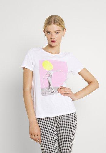 ONLVIOLET LIFE - Print T-shirt - lemon