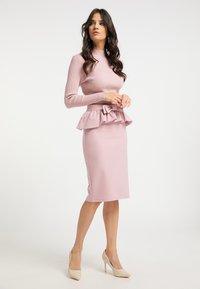 faina - Pencil skirt - rosa - 1