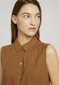 TOM TAILOR - Button-down blouse - caramel brown - 3