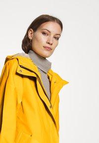 Hunter ORIGINAL - ORIGINAL SMOCK - Waterproof jacket - yellow - 3