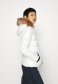 Calvin Klein - ESSENTIAL JACKET - Down jacket - snow white - 5