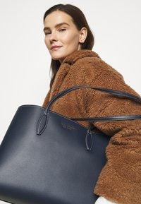 kate spade new york - LARGE TOTE SET - Tote bag - blazer blue - 1