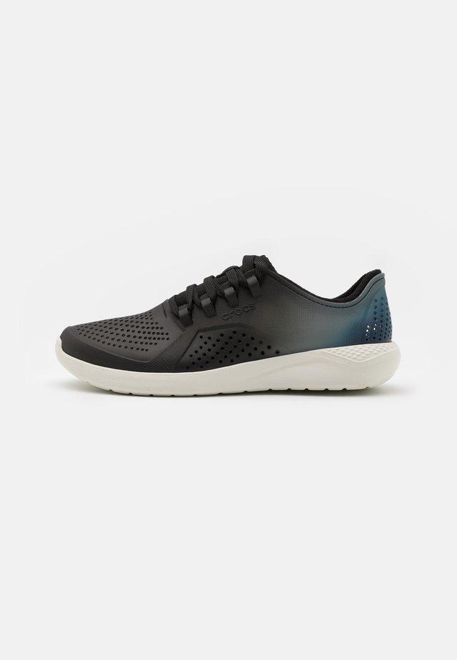 LITERIDE COLOR DIP PACER - Sneakers laag - black/almost white