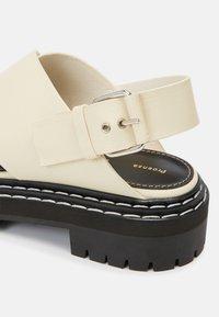 Proenza Schouler - LUG SOLE - Sandály na platformě - natural - 4