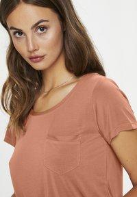 Soaked in Luxury - COLUMBINE TEE - Basic T-shirt - carnelian - 3
