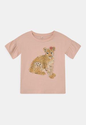 NMFJALI - T-shirt print - peach whip